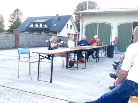 Einwohnerversammlung Ziggelmark 15 09 6